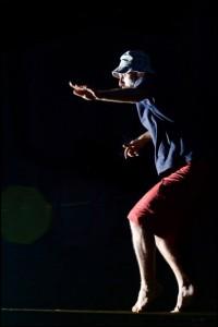 Godoy praticando Slackline a noite