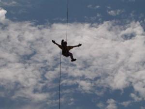 Godoy fazendo rapel em Ouro Preto - Ousar e arriscar são qualidades de um  empreendedor